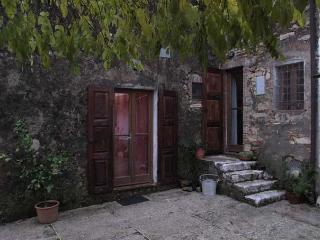 Tuscany traditional country house on a hill-top - San Giuliano Terme vacation rentals