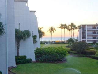 Stunning Gulf View 1BR Condo on Sanibel w/ 2 Bikes - Sanibel Island vacation rentals