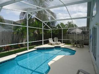 CREEKSIDE-(4319BD) Perfect 5BR 3BA Pool Villa, tropical garden and fenced for your privacy - Kissimmee vacation rentals