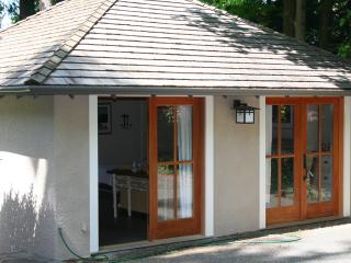 GUEST HOUSE STEPS FROM BEACH - Vancouver Island vacation rentals