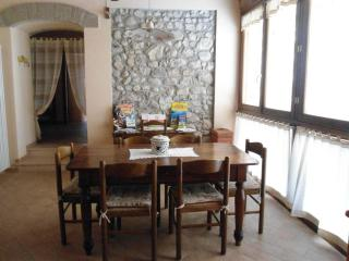 Italy-Lake Garda-Lovely self-catering apartement - Monzambano vacation rentals