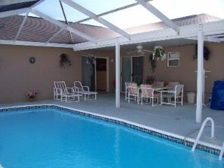 Luxury 4 Bedroom Pets Welcome Home - Spring Hill vacation rentals