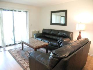 Ocean Edge Street Level with Pergo & Pool (fees apply) - EA0471 - Brewster vacation rentals