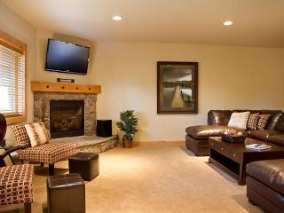 Grand Lodges Bunk Home- Discounted Passes! - Government Camp vacation rentals