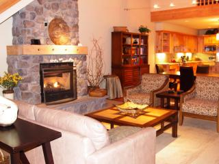 Grand Lodges Penthouse- Summer Discounts! - Government Camp vacation rentals