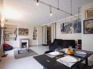 A beautiful and very quiet modern apartment just a stone's throw from Les Halles. - Venice vacation rentals