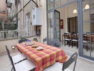A spacious and comfortable apartment with terrace in the heart of the Monti district. - Venice vacation rentals