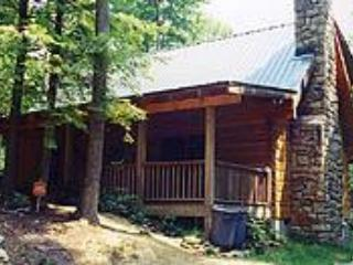 Hemlock Ridge Cabin - front view - Secluded 2 bedroom+ loft log cabin with view - Banner Elk - rentals