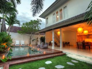 VILLA  3 BEDROOMS IN OBEROI WALKING TO RESTAURANT - Seminyak vacation rentals