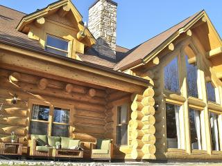 Luxury cottage for 12 persons in Laurentian area.. - Quebec vacation rentals