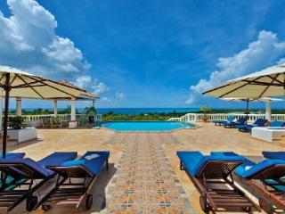 La Bella Casa - Beautiful villa overlooking Baie-Longue Beach with pool & gorgeous views - Terres Basses vacation rentals