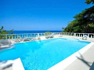 PARADISE PWW - 43695 - GREAT FAMILY CHOICE | SPACIOUS | 3 BED VILLA WITH POOL - OCHO RIOS - Ocho Rios vacation rentals