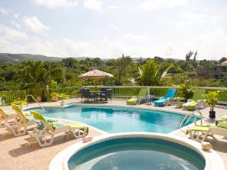 PARADISE PEN - 268816 - GRAND DESIGN | GREAT VALUE 8 BED VILLA WITH POOL -  MONTEGO BAY | GREAT NIGHTLIFE NEARBY - Montego Bay vacation rentals