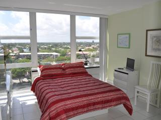 Fort Lauderdale, On The Beach 1 Bedroom Condo - Fort Lauderdale vacation rentals