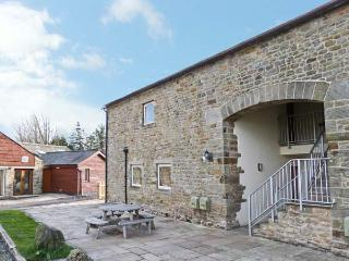 RATHMELL family friendly, shared access to swimming pool and games room in Tosside, Ref 15988 - Tosside vacation rentals