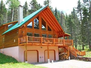 Gorgeous 4 Bedroom Mountain Cabin - Red River vacation rentals