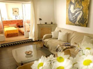 Royal Palace Apt./ 6 Sleps, Next To Royal Palace - Madrid vacation rentals