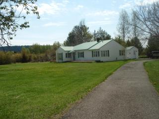 The Riverhouse - Southern Oregon vacation rentals