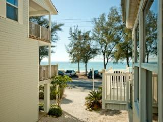 Safari Suite - 1105 Gulf Dr S - Holmes Beach vacation rentals