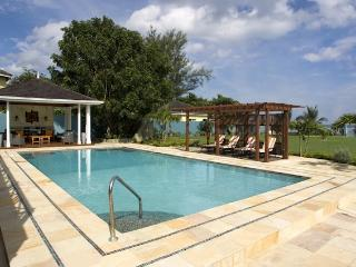Sweet Spot at Runaway Bay, Jamaica - Beachfront, Golf Course View, Pool - Runaway Bay vacation rentals