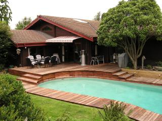 Steadman Retreat B&B only 3 min from the airport - Christchurch vacation rentals