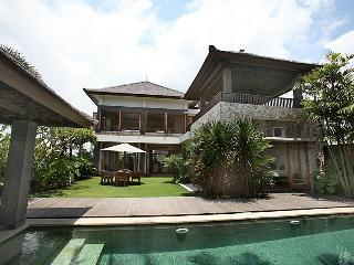 Villa Hemingways, Tanah Lot - Childfriendly with 3 bedrooms - Jimbaran vacation rentals
