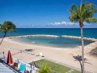 Sunset Cove 3 BR Oceanfront on Seven Mile Beach! - George Town vacation rentals