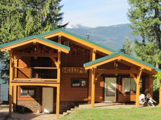 Hot Springs Escape with Lake & Glacier View - Nakusp vacation rentals