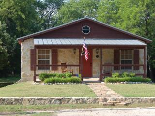Beautiful, Newly Renovated Home near Downtown Glen Rose - Texas Prairies & Lakes vacation rentals