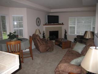 Right On The First Fairway At Forest Meadows - Gold Country vacation rentals