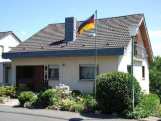 Vacation Apartment in Linz am Rhein - 753 sqft, high quaility, comfortable, relaxing (# 2740) - Linz am Rhein vacation rentals