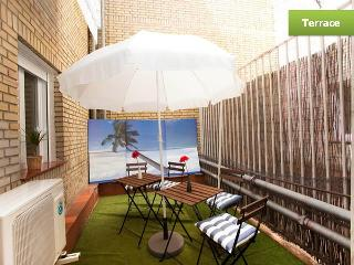 Heart of Madrid Apt in Central Plaza w/ AC+Terrace - Madrid vacation rentals