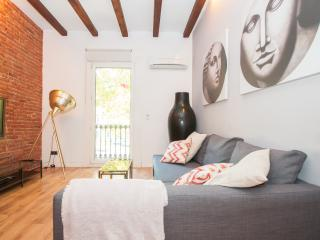 Barcelona Center White Up to 6 - Barcelona vacation rentals