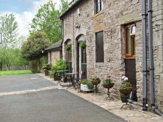 STARGAZER'S LOFT first floor apartment, open plan living in Hay-on-Wye Ref 6926 - Herefordshire vacation rentals