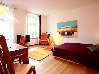 Westhafen Studio - Berlin vacation rentals