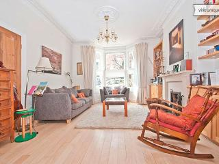 Roderick Road, 5 Bed Family Home, Hampstead - London vacation rentals