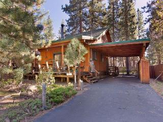 Darling updated cabin in the heart of everything! Now with a hot tub! - South Lake Tahoe vacation rentals