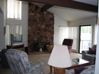 507 PLUMAS PINES GOLF RESORT VILLA 4 BEDROOM - Blairsden vacation rentals