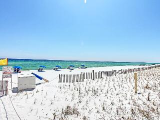 Surf Dweller 108 - Book Online!  Low Rates! Buy 3 Nights or More Get One FREE! - Destin vacation rentals