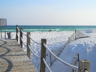Sea Oats 409 - Book Online!  Partial Gulf View on Okaloosa Island! Low Rates! Buy 3 Nights or More Get One FREE! - Fort Walton Beach vacation rentals