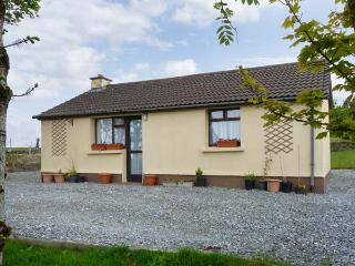 CONNEMARA HOUSE romantic retreat, close to beach in Clifden, County Galway Ref 15949 - County Galway vacation rentals