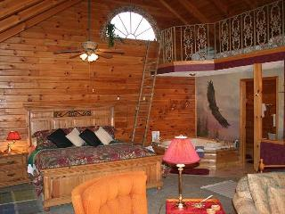 Refuge..Romance/River/CadesCove/Tix Heritage Cntr - Townsend vacation rentals