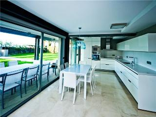 Luxury Beach Apartment Nr 1 - Maspalomas vacation rentals