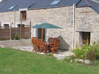 LA LUCINE - Petits Papillons Rural Gites and Holiday Cottages - Josselin vacation rentals