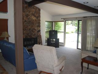513 PLUMAS PINES GOLF RESORT VILLA 4 BEDROOM - Blairsden vacation rentals