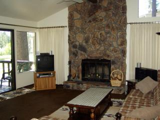 517 PLUMAS PINES GOLF RESORT FAIRWAY VILLA - Blairsden vacation rentals