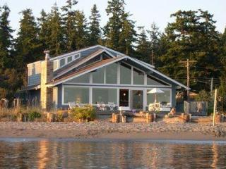 Blue Heron Beach House - Whidbey Island, WA - Freeland vacation rentals