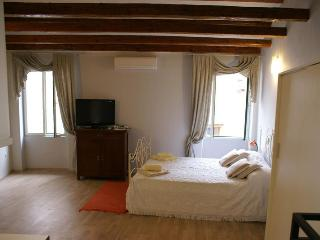 3  studios  Casale in the old town of Rovinj - Rovinj vacation rentals