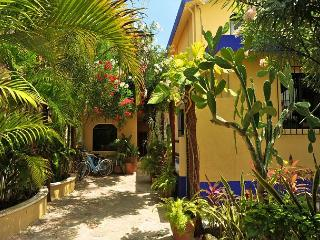 2 MINUTE WALK TO THE BEACH, ROOF TOP DECK, POOL+HOT TUB, 10 MIN WALK TO TOWN - Puerto Morelos vacation rentals