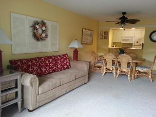 Get away to this light and airy 2 bedroom, 2 bathroom condo! - Myrtle Beach vacation rentals